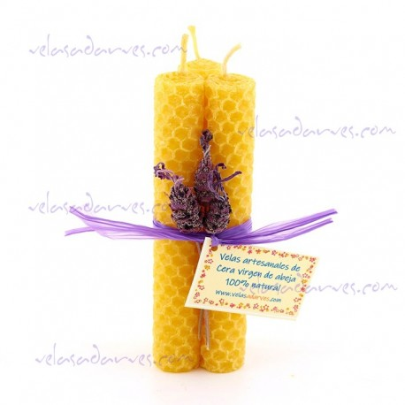 Atadillo de 3 velas color natural.